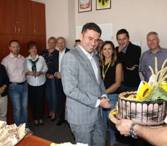 Urodziny burmistrza Wasilkowa. Zobacz, co dostał od radnych i urzędników