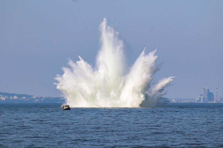 W poniedziałek i wtorek (14-15 września 2020) zaholowano dwie miny z czasów II wojny światowej z dala od brzegu i zdetonowano na Zatoce Gdańskiej