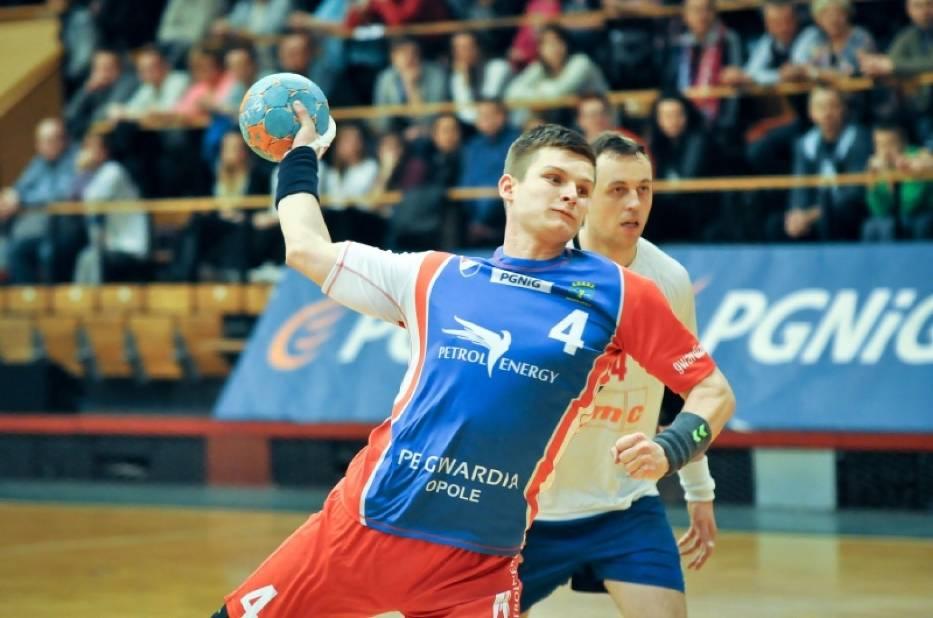 Paweł Swat i jego koledzy z Gwardii Opole nie mają prawa przegrać. Inaczej spadną do I ligi.