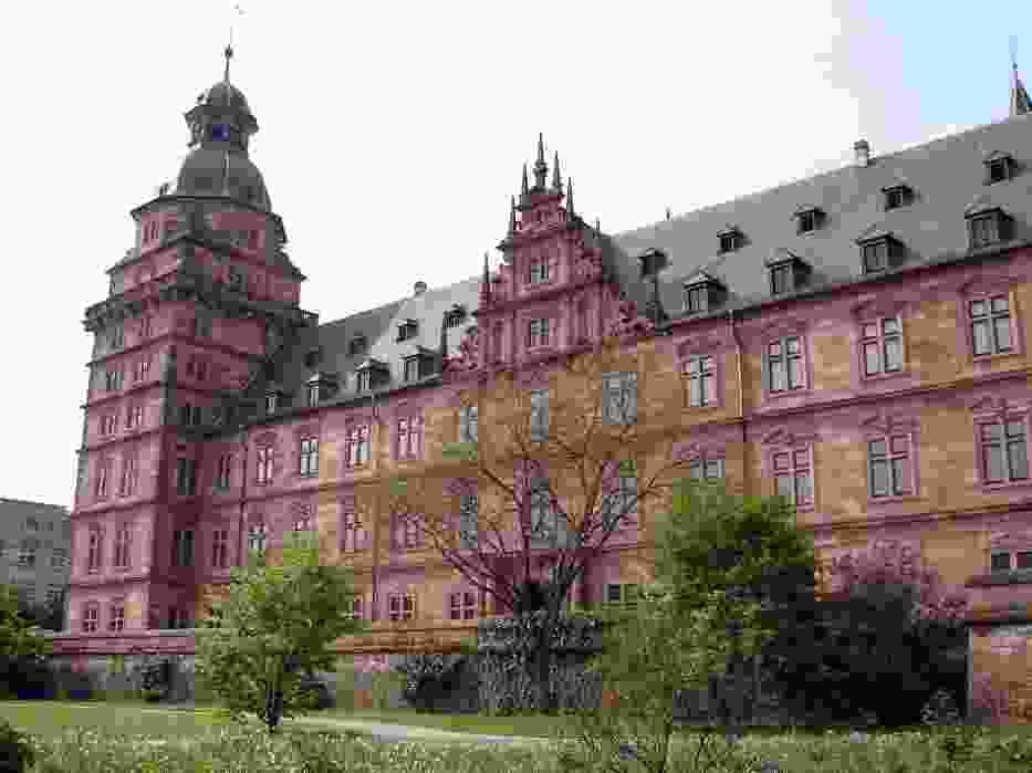 Zamek Johannisburg jest renesansową budowlą