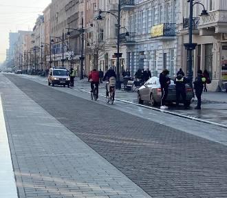 Nowe zasady wjazdu i postojów na ul. Piotrkowskiej. Straż miejska znów działa