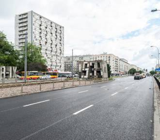 Zwężenie Grójeckiej. Mieszkańcy nie chcą szerszych chodników. Decyzja miasta pod koniec marca