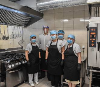 Kaźmierz. Samorząd inwestuje w oświatę. Szkolne kuchnie zmieniły się nie do poznania!