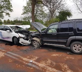 Kolejny wypadek na zakręcie w Radoszynie (gm. Skąpe)