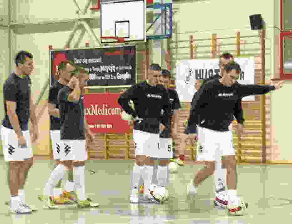 Piłkarze Hurtapu przygotowują się do spotkania z FC Novą Katowice