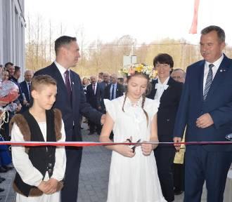 Nowoczesny dom kultury i urząd gminy w niewielkiej Lubrzy. Dziś odbyło się wielkie otwarcie!