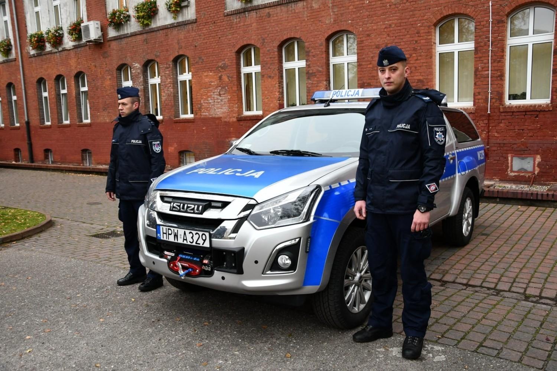 - Tylko do morza nim nie wjedziemy - tak o nowym samochodzie terenowym mówią z uśmiechem świnoujscy policjanci