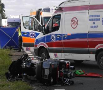 Jeden motocyklista zginął na miejscu. Siedmiu rannych [ZDJĘCIA]