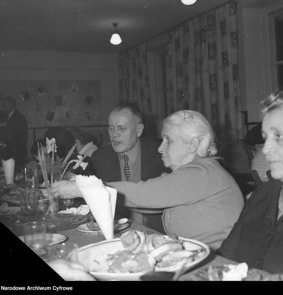 Spotkanie z emerytami na warszawskiej PradzeSpotkanie z emerytami WSS Społem w świetlicy WSS przy ul