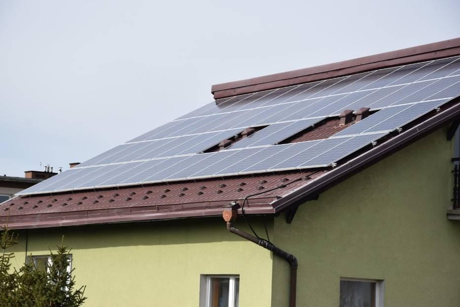 Samorząd gminy przywidz stawia na energię słoneczną. Ogniwa fotowoltaiczne znajdą się na dachach wszystkich budynków gminnych oraz na 250 prywatnych domach