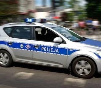 Policjanci eskortowali do szpitala w Bełchatowie samochód z chorym chłopczykiem