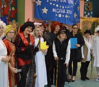 Nauczyciele i pracownicy szkoły wystawili w Przodkowie jasełka dla dzieci - ZDJĘCIA, WIDEO