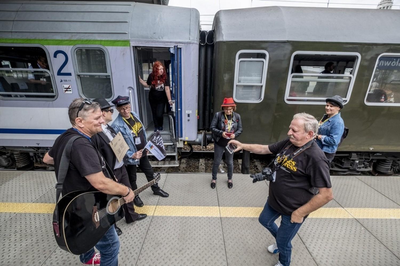Z poznańskiego Dworca Letniego do Zakrzewa po raz kolejny wyruszył coroczny pociąg Blues Express