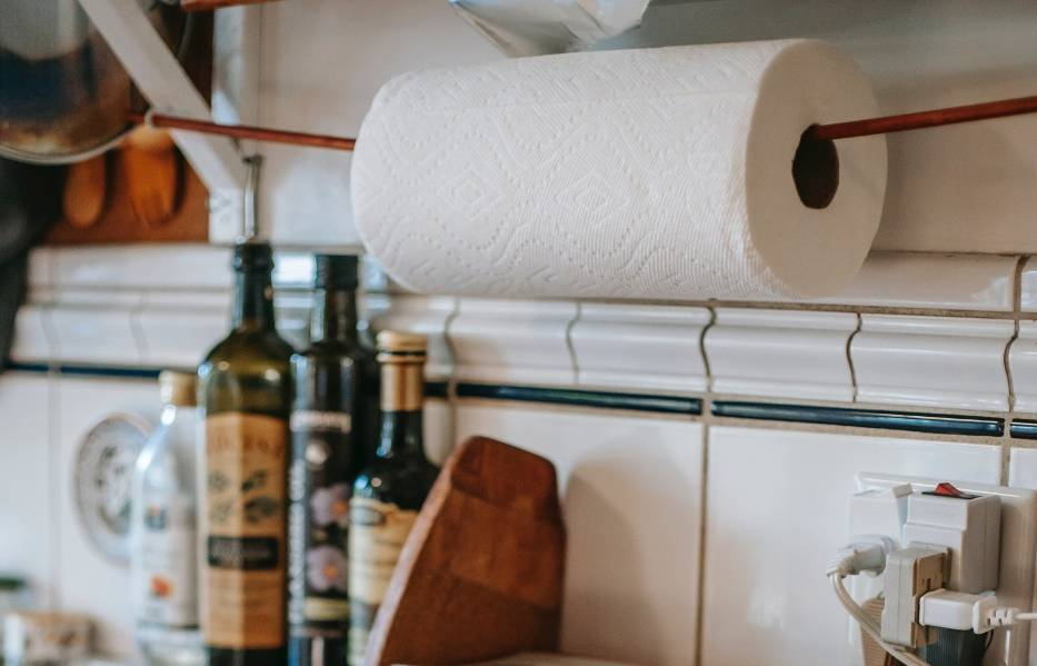 Czyścisz te przedmioty ręcznikiem papierowym? Wielu z nas popełnia ten błąd!