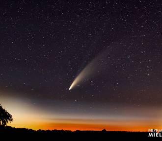 """Srebrzysty warkocz rozświetlił niebo. """"Nieziemskie"""" zdjęcia Czytelnika"""