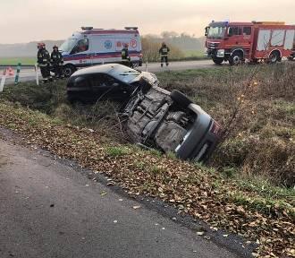 Wypadek w Nadolniku. Zderzyły się dwa samochody osobowe, 6 osób zostało poszkodowanych (FOTO)