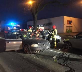 Wypadek w Luboniu: Zderzyły się cztery samochody, są ranni