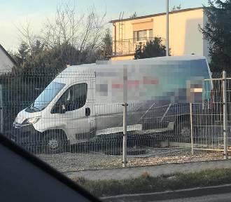 Kolizja w Cieślach. Interweniowała straż pożarna i pogotowie ratunkowe