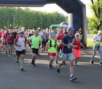 Ponad 800 biegaczy rywalizowało w Parku Śląskim. Bieg dla Słonia 2021. ZDJĘCIA