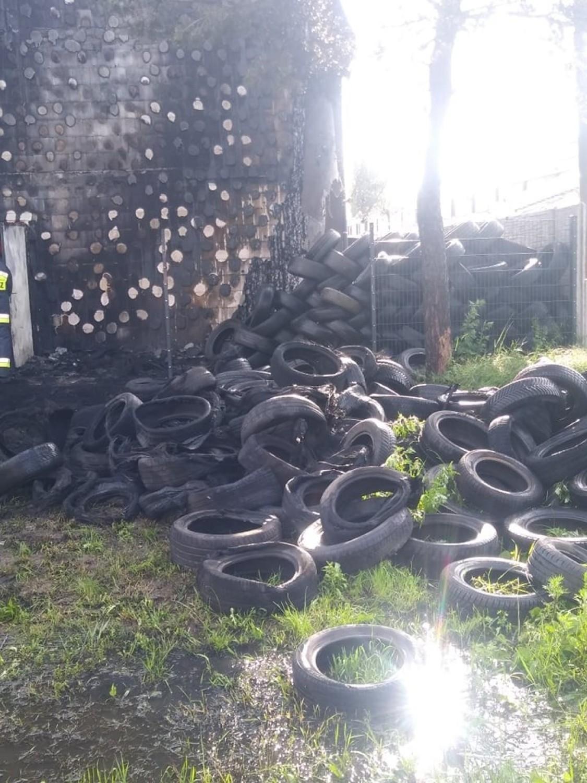 Pożar opon w warsztacie wulkanizacyjnym w Gorzowie. Do pożaru doszło w sobotę z samego rana