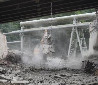 Spektakularna rozbiórka starego wiaduktu na alei Piłsudskiego. Zobaczcie zdjęcia