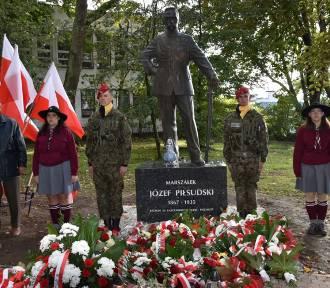 W Kartuzach stanął pomnik Marszałka Józefa Piłsudskiego ZDJĘCIA, WIDEO