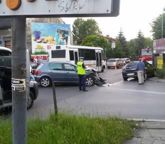 Wypadek na Żeromskiego. Jedna osoba trafiła do szpitala [ZDJĘCIA]