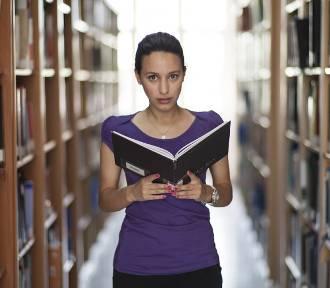 Będzie mniej miejsc na studiach. Studenci decydują się na naukę za granicą!