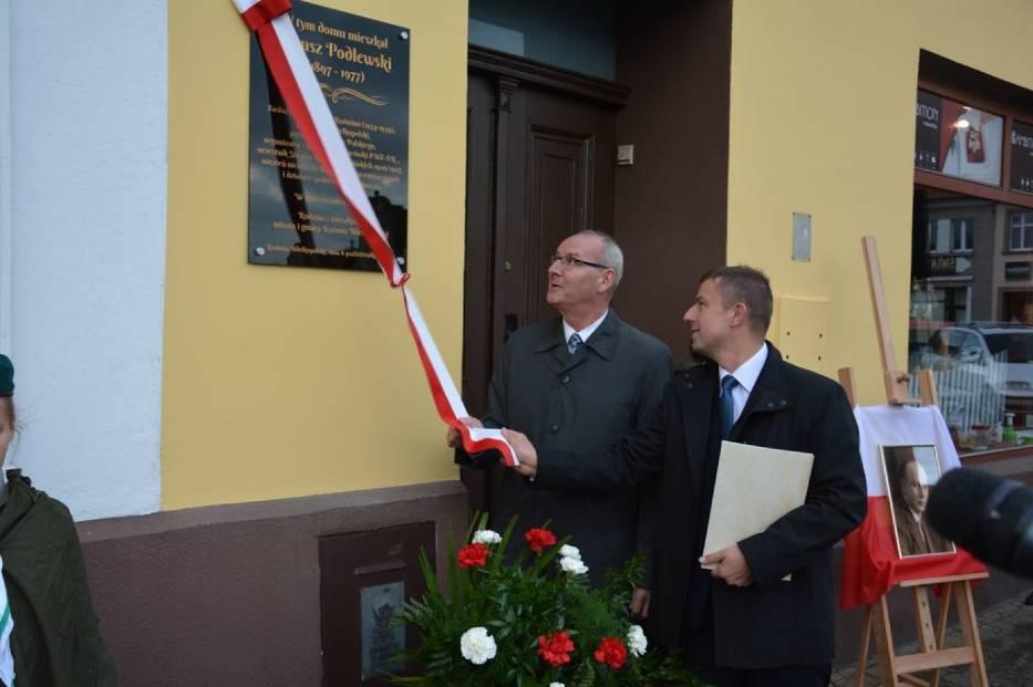 Odsłonięto tablicę burmistrza Koźmina Wlkp. Janusza Podlewskiego