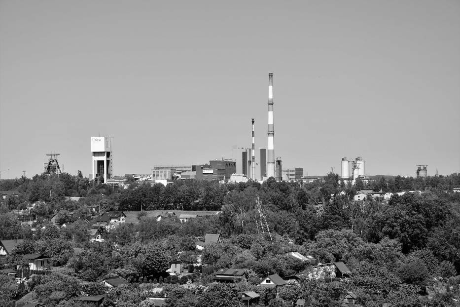 Wojewoda Śląski polecił opuścić flagi państwowe i powstrzymać się od organizacji imprez na znak żałoby po górnikach