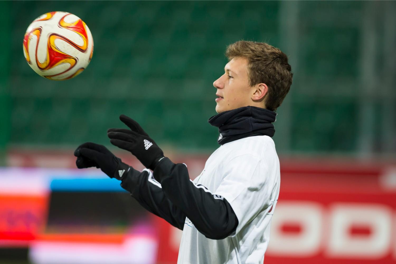 Krystian Bielik, transfer. Młody piłkarz zagra w Hamburgu?