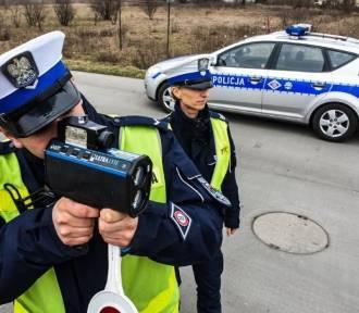 Powiat świdnicki: przez wioski ponad 110 km/h. 2 piratów drogowych zatrzymanych