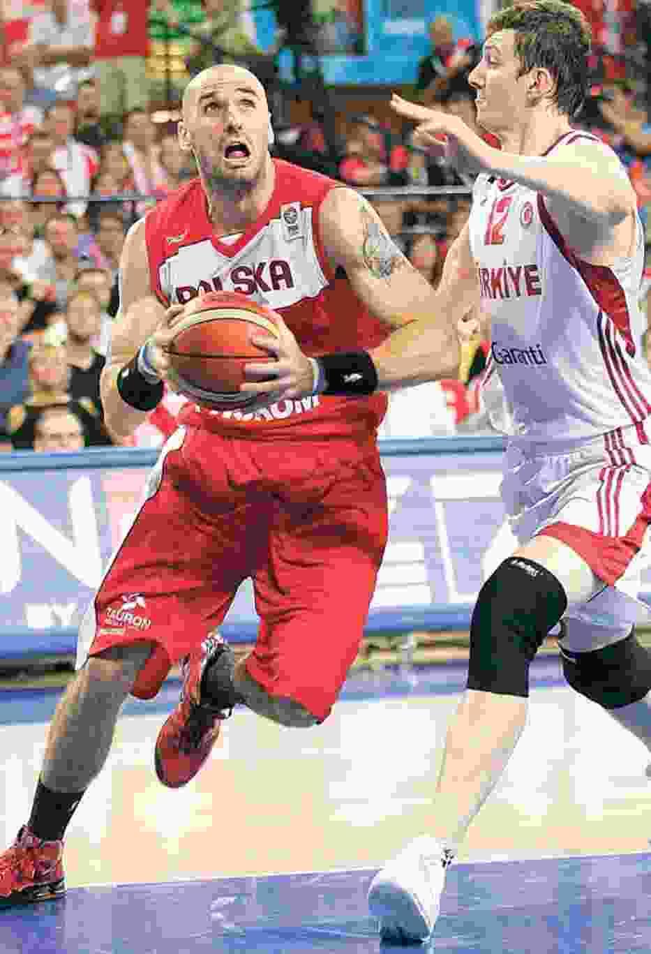 Marcin (z lewej) w dwóch pierwszych meczach grał średnio po 37 minut