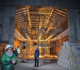Głogowski teatr w odbudowie. Zobacz zdjęcia ze środka obiektu
