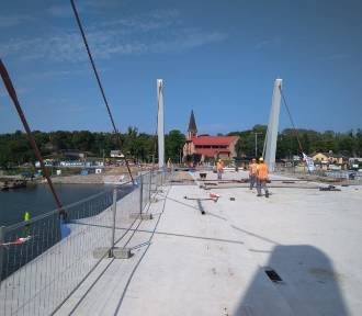 Zwodzone przęsła nowego mostu w Sobieszewie zamontowane