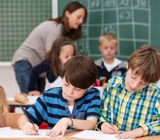 Uczniowie pójdą do szkoły w sobotę? MEN tłumaczy