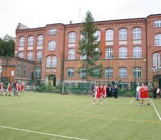 Reforma edukacji w Rybniku. Które gimnazja wygaszą?