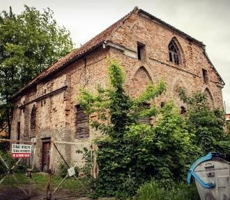 Synagoga, stacja benzynowa i budynek po banku. Które obiekty w Kwidzynie są na sprzedaż? [ZDJĘCIA]