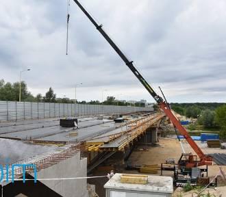 Tak wygląda obecnie przebudowa mostu Lecha [ZDJĘCIA]