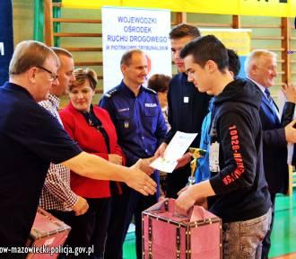 Uczniowie tomaszowskiej Szóstki i SP w Żelechlinku najlepsi (FOTO)