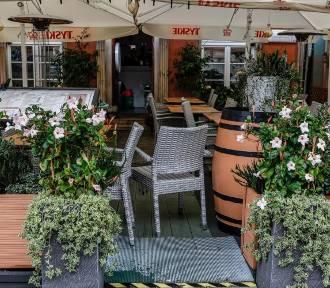 """Ogródki w restauracjach otwarte w """"majówkę""""? Gastronomia żąda zdjęcia obostrzeń"""
