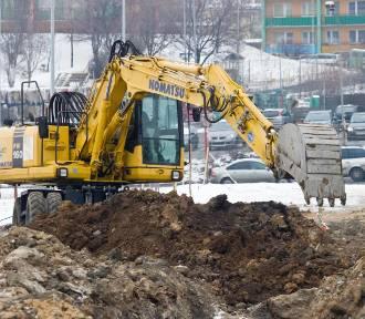 """Zakup mieszkania – czekać, aż budynek powstanie czy kupować """"dziurę w ziemi""""?"""