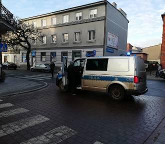 Utrudnienia na Cieszkowskiego w Bydgoszczy. Policja musiała zamknąć ulicę [zdjęcia]