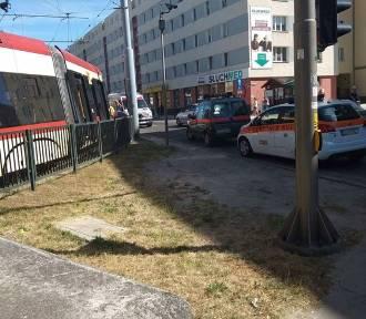W Gdańsku tramwaj potrącił pieszą [zdjęcia]