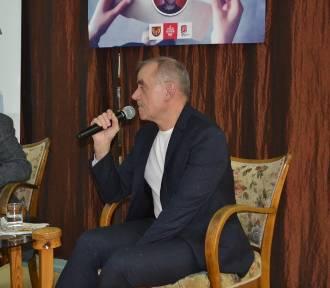Druga książka Stacha Szulista, nauczyciela historii w Trabkach Wlk.