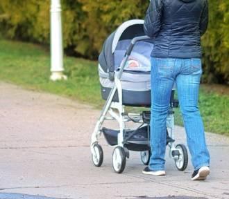 Potrącił kobietę z wózkiem z 10-miesięcznym dzieckiem