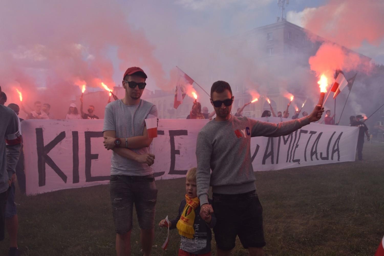 Kielce w 76. rocznicę wybuchu Powstania Warszawskiego - piękny hołd przy rondzie Giedroycia [ZDJĘCIA, WIDEO]
