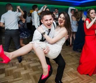 Maturzyści zatańczą pierwszego poloneza już w najbliższą sobotę