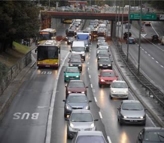 Wypadek na S8. Korek ciągnie się przez kilka kilometrów. Są utrudnienia