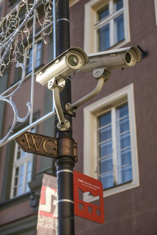 Kamery miejskiego monitoringu wizyjnego na Starym Rynku w Poznaniu